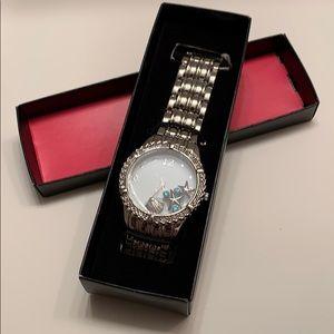 Gorgeous, beachy Avon watch!